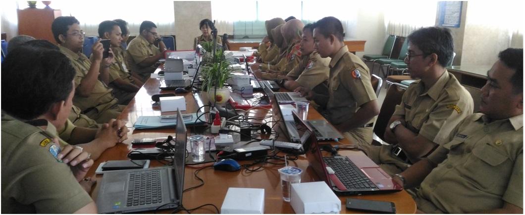 Pelatihan Website bagi anggota Jaringan Dokumentasi Dan Informasi Hukum (JDIH)<BR>Kabupaten/Kota di Jawa Timur Tgl. 11 April 2016